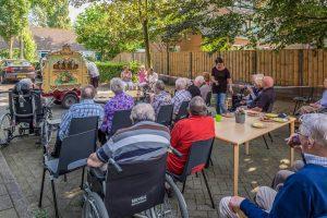 RIVM actief bij ouderen vijf Biltse woonzorgcentra (© Foto: Hans Lebbe - HLP Images)