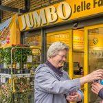 Leerlingen Groenhorst Maartensdijk helpen voedsel inzamelen bij supermarkt Jumbo in Maartensdijk voor Voedselbank De Bilt