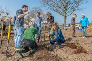 Plantdag eerste Plukdoolhof van Nederland in Bilthoven (De Schaapskooi, Reinaerde). Foto © Hans Lebbe, HLP Images