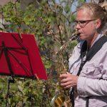 Tap DELA verrast saxofonisten bij Thomashuis (foto: Ria Luichies - TAP Dela)