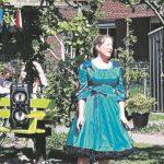 Bel AMI zingt voor bewoners d'Amandelboom (foto: Tina Bolks)