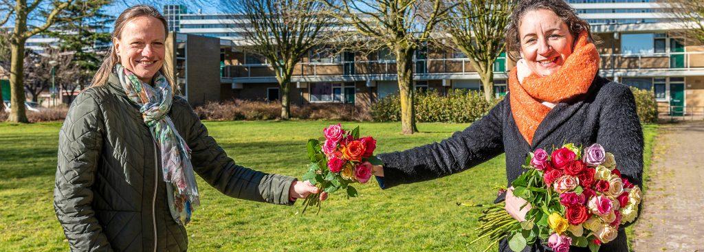 Samen voor De Bilt - Rozenactie van WIJ(K) GELUK groot succes (Foto: © Hans Lebbe - HLP Images)