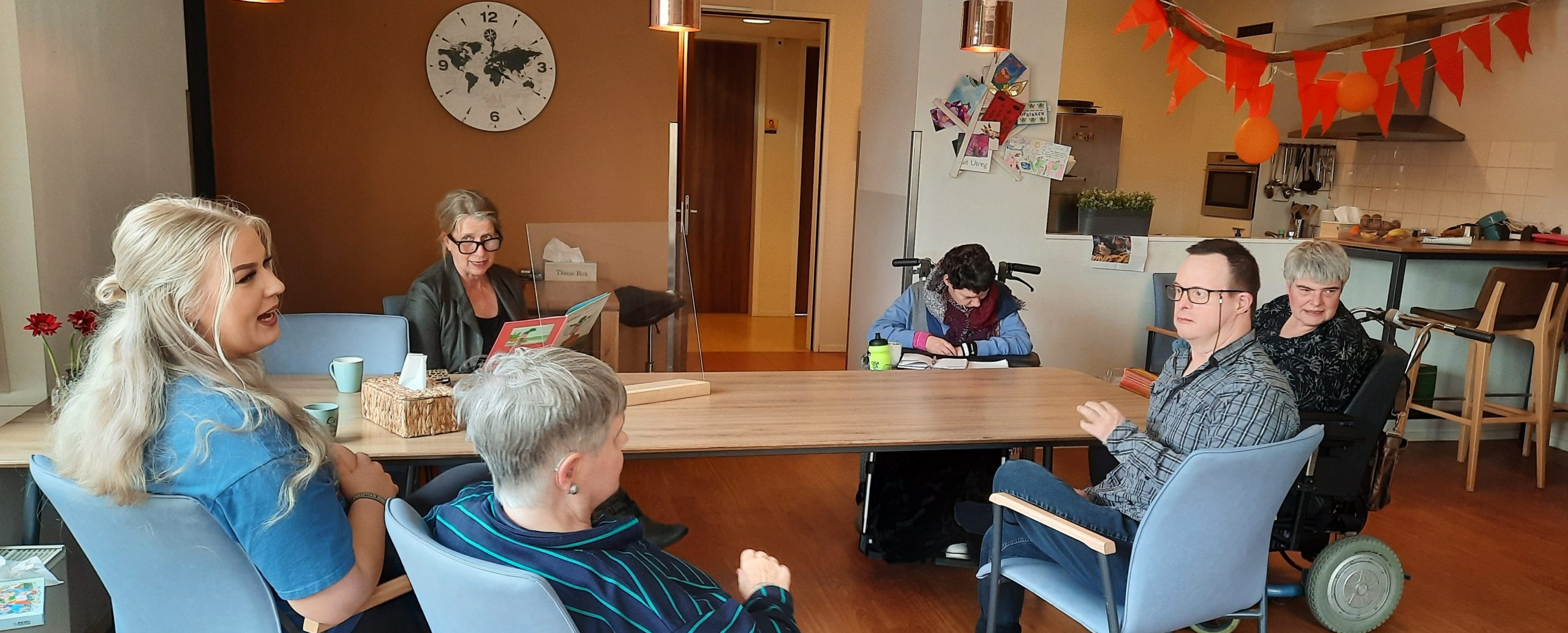 Samen voor De Bilt - Medewerkers Tap DELA lezen voor bij Reinaerde De Reiger